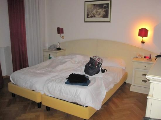 Hotel Suite Home Prague: Double bedroom