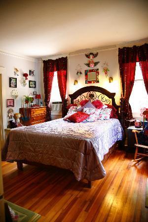 Marilyn's Melrose Inn: Whimsy #1 is a popular, fun room