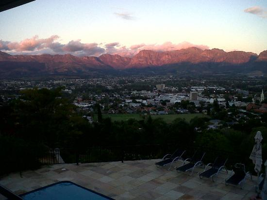 Belmonte Guesthouse: View of Paarl