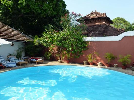 Raheem Residency: Fantastic Pool