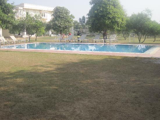 Alwar Bagh (Sariska) by Aamod: The Pool