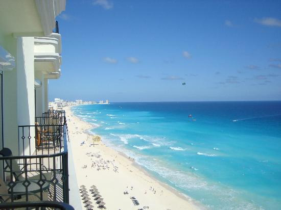 JW Marriott Cancun Resort & Spa : Vista Playa Y Zona Hotelera