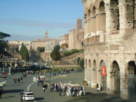 Roma Cristiana Hop On Hop Off Bus : a view