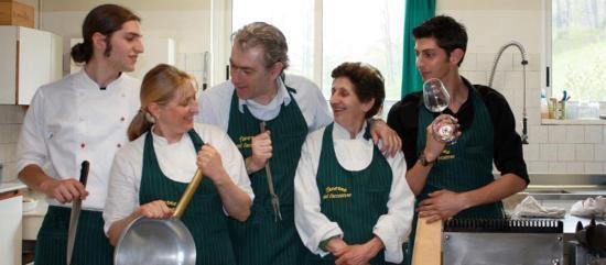 Castiglione Dei Pepoli, Italia: Lo staff