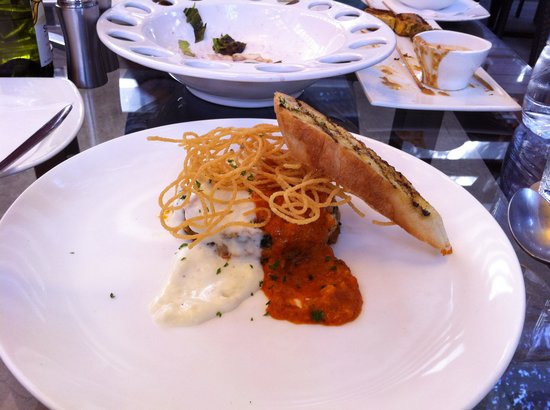Under the Mango Tree: Burnt Garlic Lasagna with alfredo and marinara sauces (it was a special)