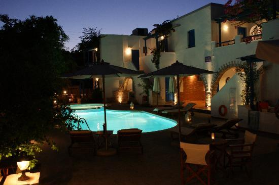 Dimitra Hotel: pool at night