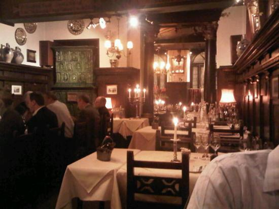 Tante Anna : old restaurant, nice atmosphere