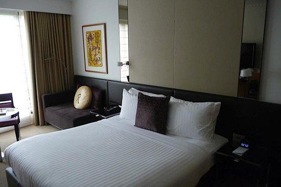 Royce Hotel: Fresh room
