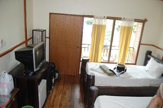 Phuttachot Resort: Room C02