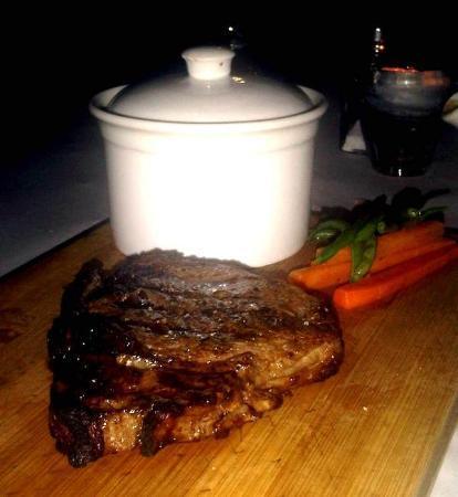 David's Steak and Seafood Restaurant: steak round 2