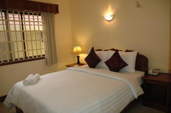 Check Inn Siem Reap: Deluxe Double Bed