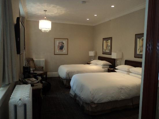 Victorian Hotel: Bedroom