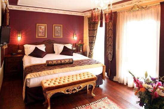 Rose Garden Suites Istanbul: executive room rose garden