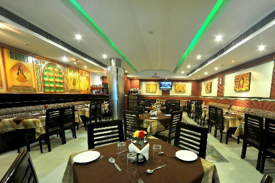 Jullundur Hotel: The Family Restaurant