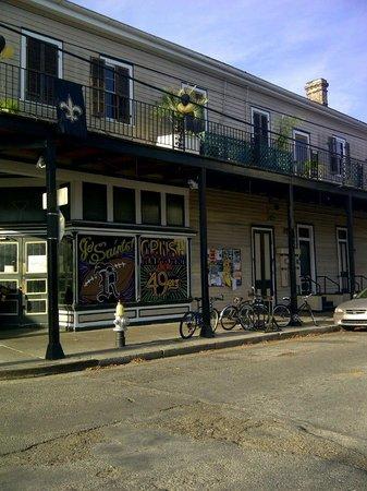 Royal Street Inn and R Bar: Side Entrance