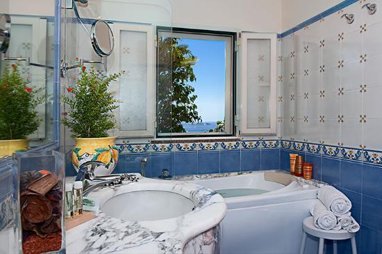 Hotel Villa Gabrisa: Bagno camera deluxe