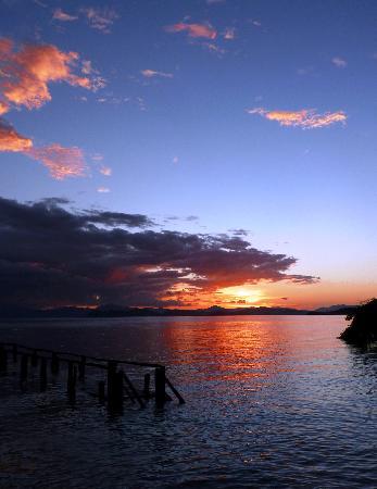 La Ensenada Lodge: Sunset