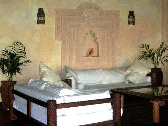 Hotel Dongwe: Lobby area Dongwe Club Vacanze Zanzibar