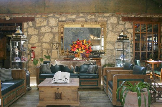 Best Western The Lodge At Creel Hotel & Spa: Lobby