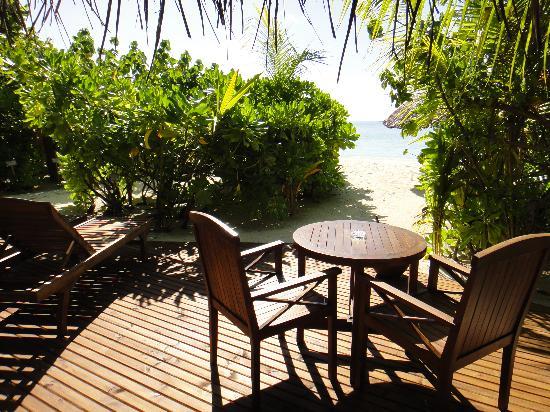Sun Aqua Vilu Reef: Вид на пляж