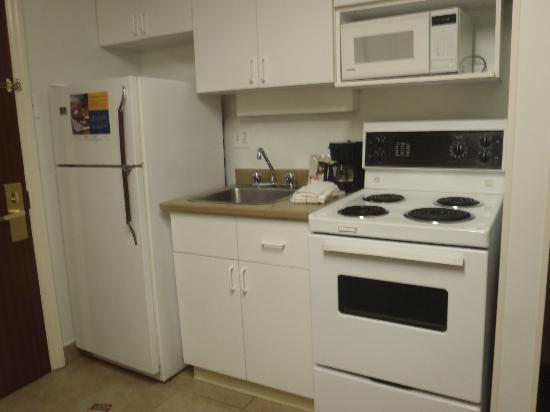 Extended Stay Canada - Ottawa: Full kitchen