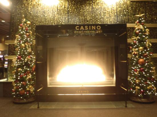 Casino de Mont-Tremblant: Welcoming Fireplace