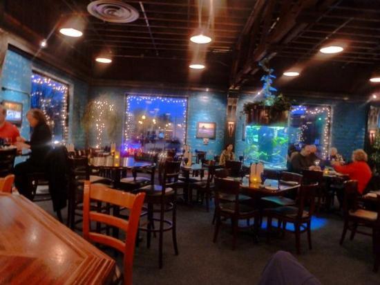 Aqua Seafood Restaurant and Bar: Diningroom