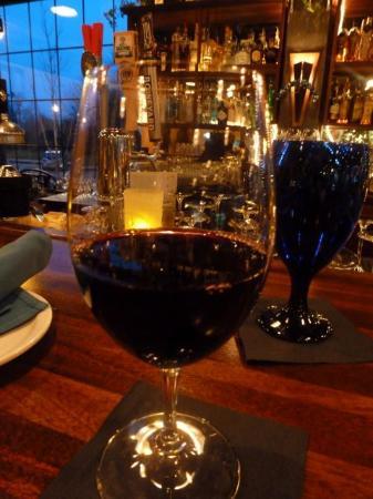Aqua Seafood Restaurant and Bar: Nice wine list