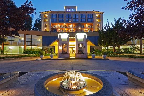 Crowne Plaza Palo Alto: Entrance
