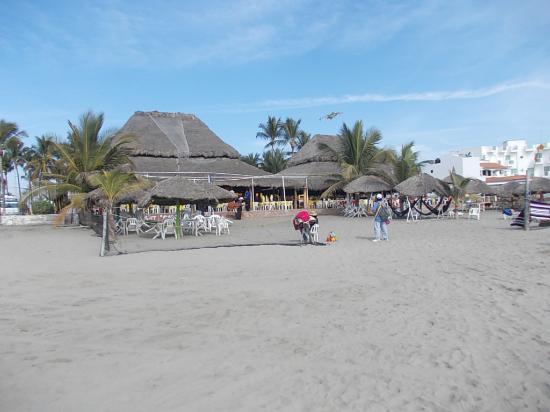 Stone Island (Isla de las Piedras): The restaurant, home of fish and bad stomachs