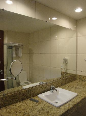 Nauticomar All Inclusive Hotel & Beach Club: baño