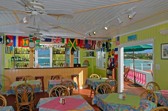 Arawak Beach Inn: Cafe