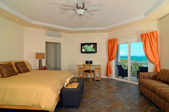 Arawak Beach Inn: Premium Room w/ Kitchen Interior