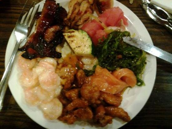 """Pacific Sea Food Buffet: A PLATE """"FULL"""""""