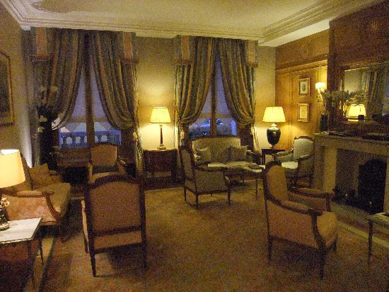 Hotel Mayfair Paris: nice waiting area to relax