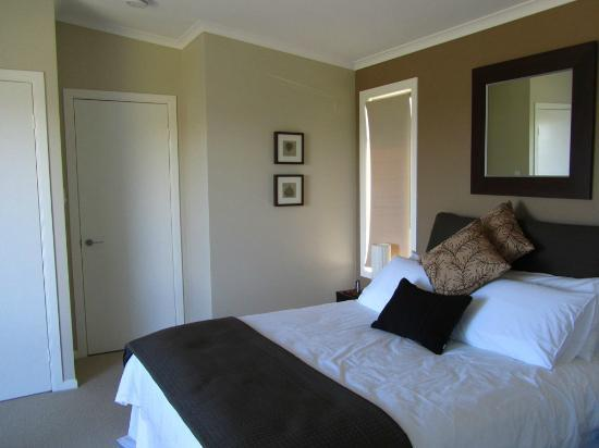 Blackwattle Luxury Retreats: Bedroom