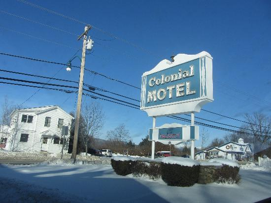 Colonial Motel : Martin Luther King Day 2012