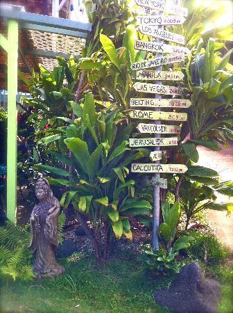 Gill's Lanai: sign just outside the lanai