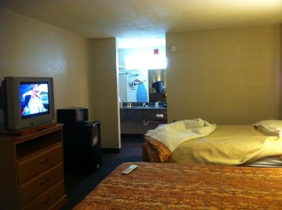 Econo Lodge Oklahoma City: two beds