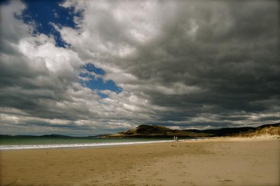 Ramada Resort Seven Mile Beach: Storm approaching Seven Mile Beach