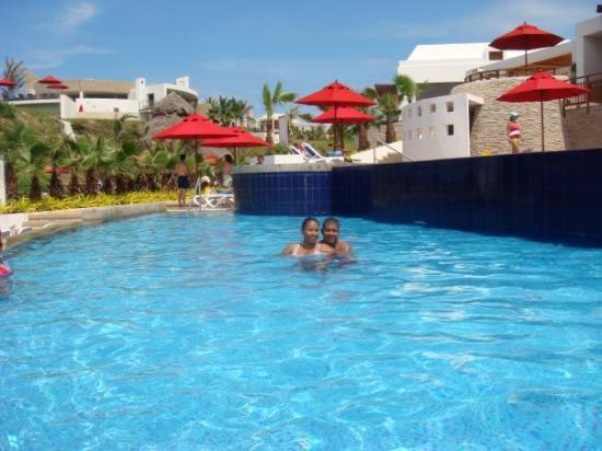 Mompiche, Ecuador: Piscina Frente al club de Playa