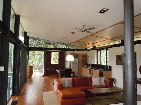 Crystal Creek Rainforest Retreat: like a house