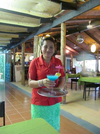 Lusia's Lagoon Chalets: Drinks are very cool!