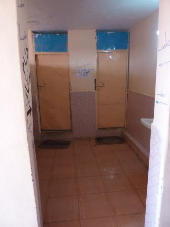 وادي حلفا, السودان: Two Stalls per Gender.
