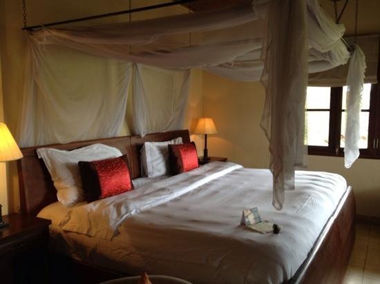 Ana Mandara Villas Dalat Resort U0026 Spa: Giant Bed