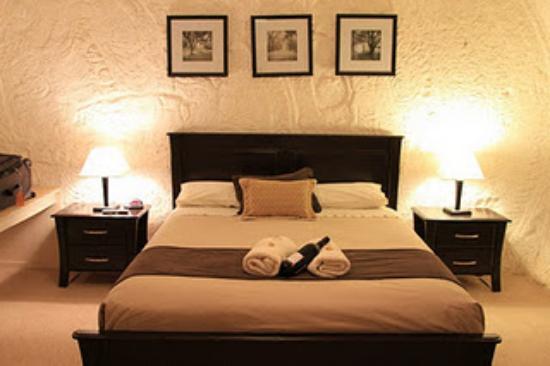 Underground Bed & Breakfast: Zimmer