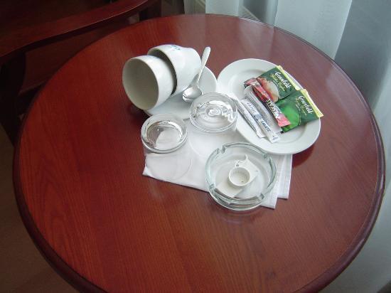Salute Hotel: Complimentary Tea