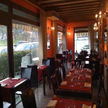 Caffe Ristorante Wenge : Sala Ristorante