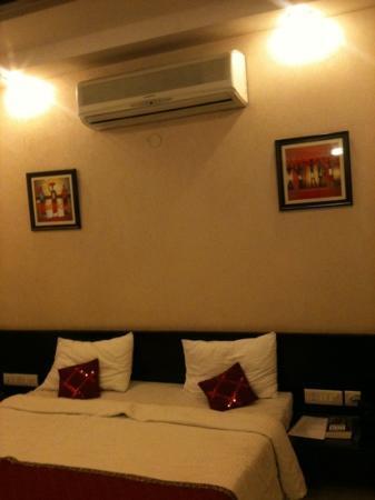 Hotel Saar Inn: bedroom