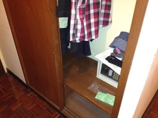 Ma Hotel: safe box
